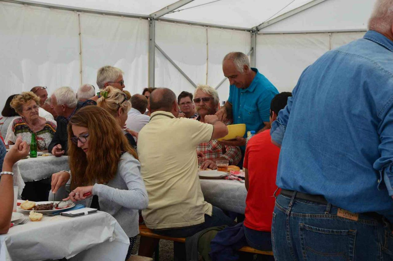 2016.08.20 Repas au CABAN (74)